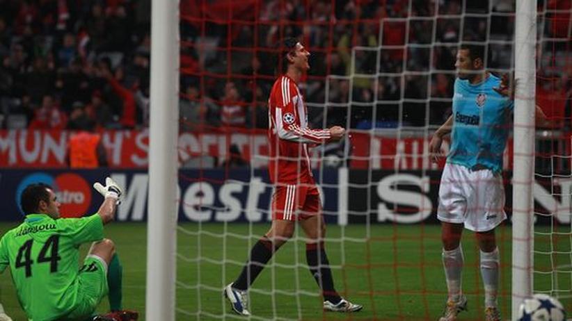 Champions League: Zwei Eigentore ermöglichen den Bayern den Sieg
