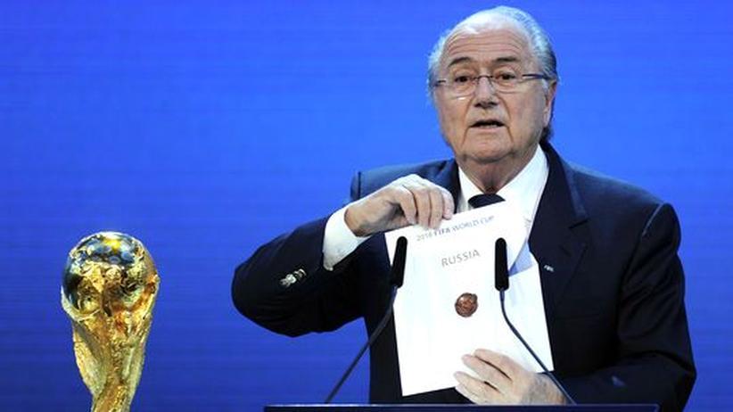 WM 2018 und 2022: Fifa-Präsident Joseph Blatter gibt Russland als WM-Land bekannt