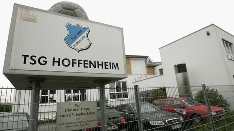 """Film """"Das Leben ist kein Heimspiel"""": Hoffenheim zwischen Bratwurst und Business"""