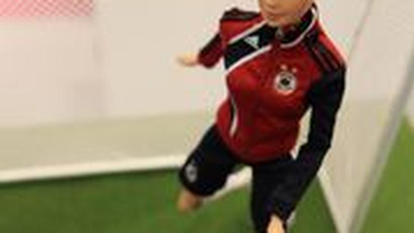 Kick it like Barbie: Die Puppe ist Nationalspielerin Birgit Prinz nachempfunden