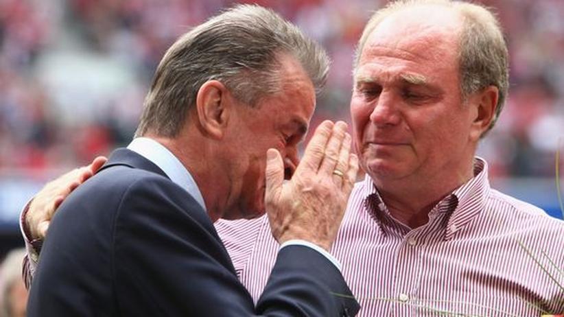 Ottmar Hitzfeld passte: Hier bei seiner emotionalen Verabschiedung vom FC Bayern