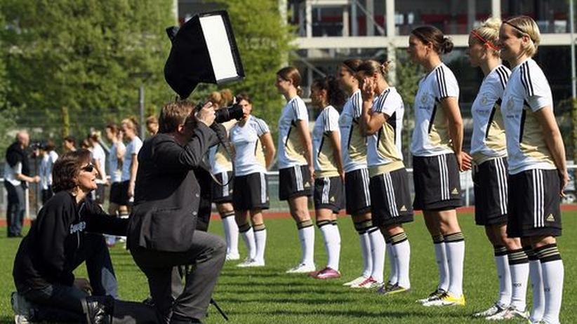 Frauenfußball-WM 2011: Das unsichere Geschäft mit den Frauen