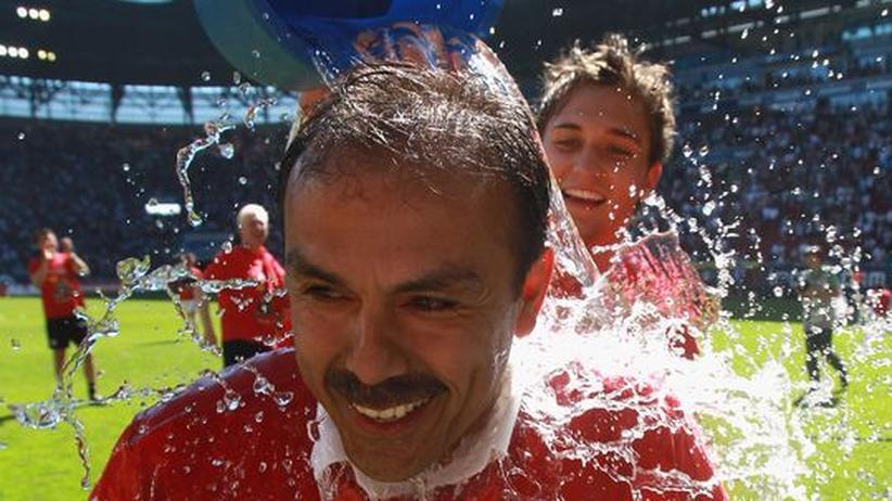 Fußball: Augsburg schafft den Aufstieg in die 1. Liga