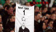 Fans von Hannover 96 erinnern an ihren Torwart Robert Enke