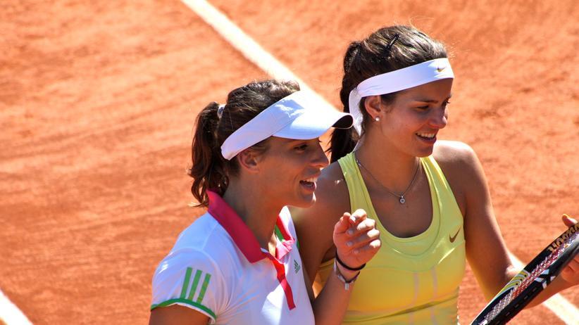 Tennisspielerinnen: Das Lakritz-Model und die Petko-Dancerin