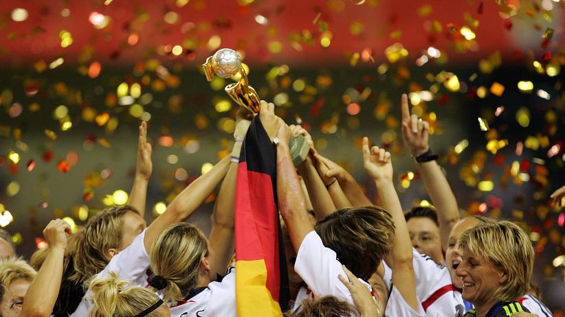 """WM-Geplauder: """"Fußballspielerinnen trinken auch keinen Alkohol"""""""