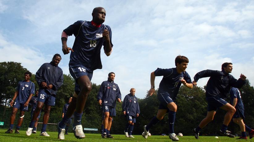 Fußball: Im Camp der arbeitslosen Fußballprofis
