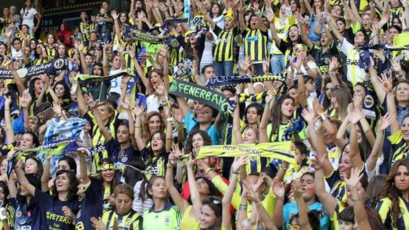 Fenerbahçe Istanbul: Ein Fußballspiel nur für Frauen