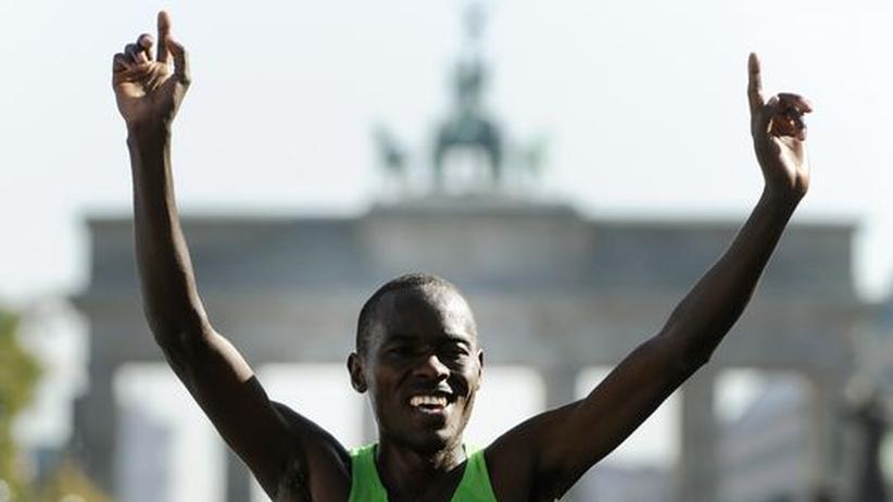 Berlin-Marathon: Makau läuft Marathon-Weltrekord