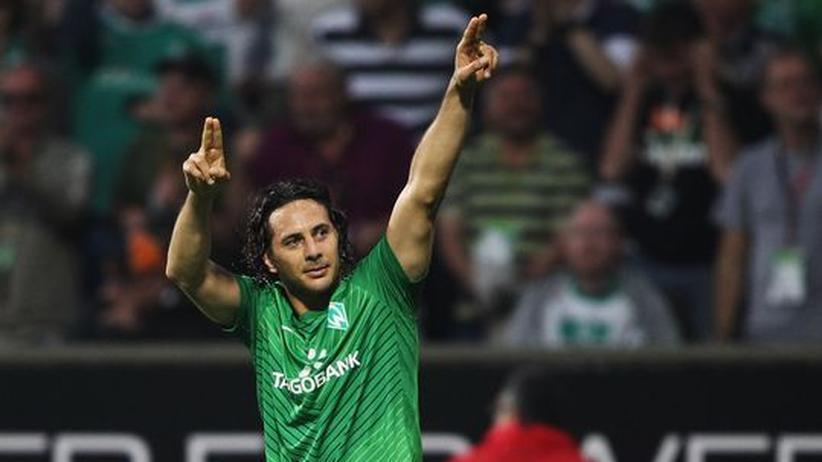 7. Bundesliga-Spieltag: Pizarro schießt Bremen zum Last-Minute-Sieg