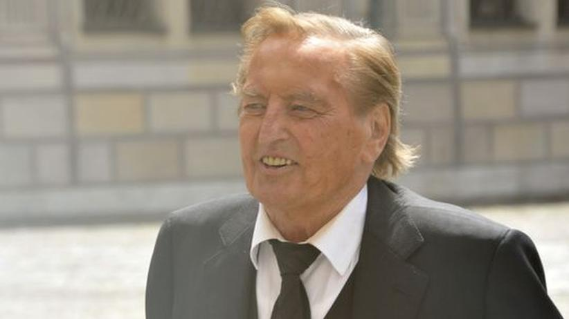 Gerhard Mayer-Vorfelder: Gerhard Mayer-Vorfelder auf der Beerdigung von Leo Kirch im Juli 2011