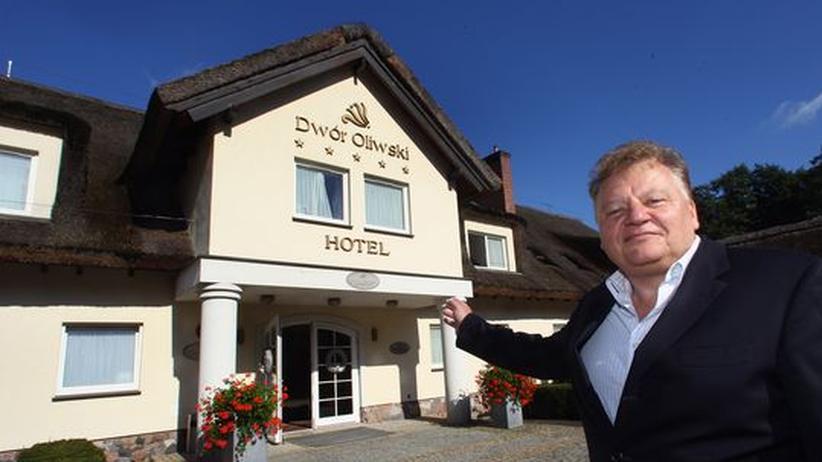 Janusz Baran, Besitzer des Dwór Oliwski Hotels, freut sich auf die Fußballer aus Deutschland.