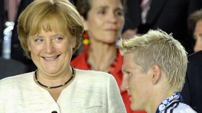 Liebesbrief: Die Kanzlerin schätzt die frische Art von Herrn Schweinsteiger