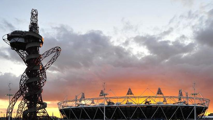 London 2012: Das große Stahl-Dingsbums über dem größten McDonald's der Welt
