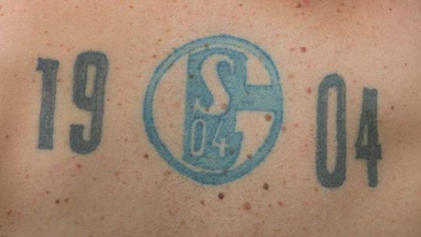Fußball-Bundesliga: Königsblaue Glückwünsche nach Dortmund