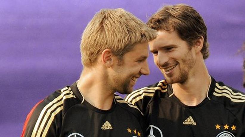 Alles außer Fußball: Thomas Hitzlsperger (links) und Arne Friedrich in gemeinsamen Tagen in der Nationalelf