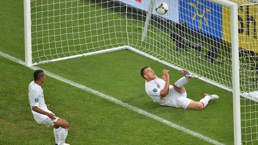 """Fußball-EM: """"Die Schiedsrichter haben uns ein Tor geklaut"""""""