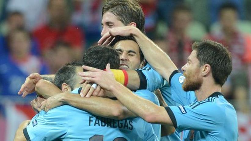 Fußball-EM: Spanien müht sich zum Gruppensieg