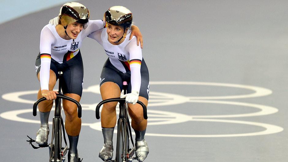 Donnerstag, 2. August: Kristina Vogel und Miriam Welte gewinnen Gold im Teamsprint für Deutschland nachdem das Team aus China disqualifiziert wurde.