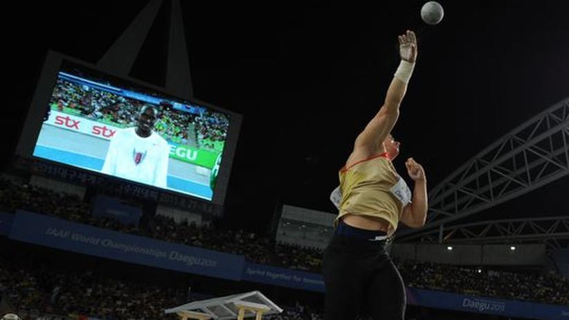 """Mein Olympia: """"Die Beine sind beim Kugelstoßen entscheidend"""""""