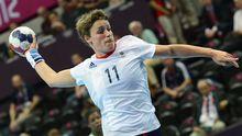 Die Handballerin Lyn Byl in Aktion