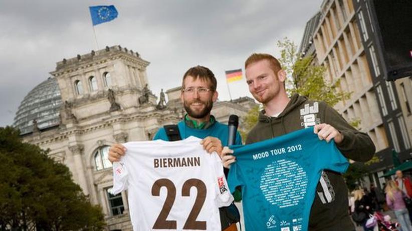 Der Mood-Tour-Organisator Sebastian Burger und der ehemalige Profifußballer Andreas Biermann