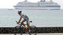 Ein Teilnehmer des Ironmans auf dem Rad