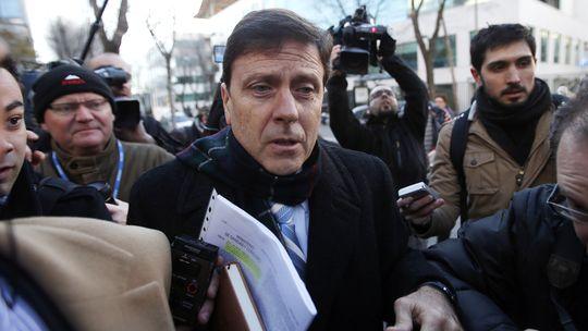 Eufemiano Fuentes (M.) am ersten Prozesstag am Montag