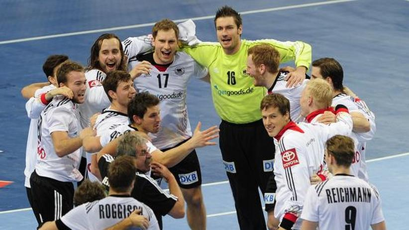 Die deutschen Handballer nach dem Achtelfinal-Sieg gegen Mazedonien