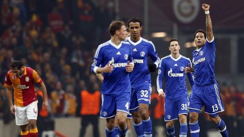 Champions League: Jones trifft für Schalke in Istanbul zum Ausgleich