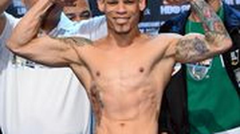 Orlando Cruz nach dem Wiegen