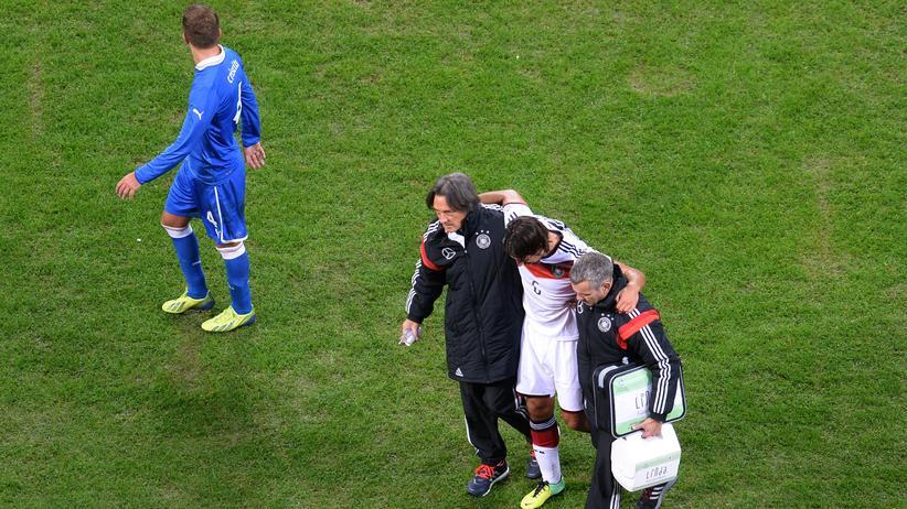 Verletzungen im Fußball: Der moderne Fußball und die Kreuzbänder