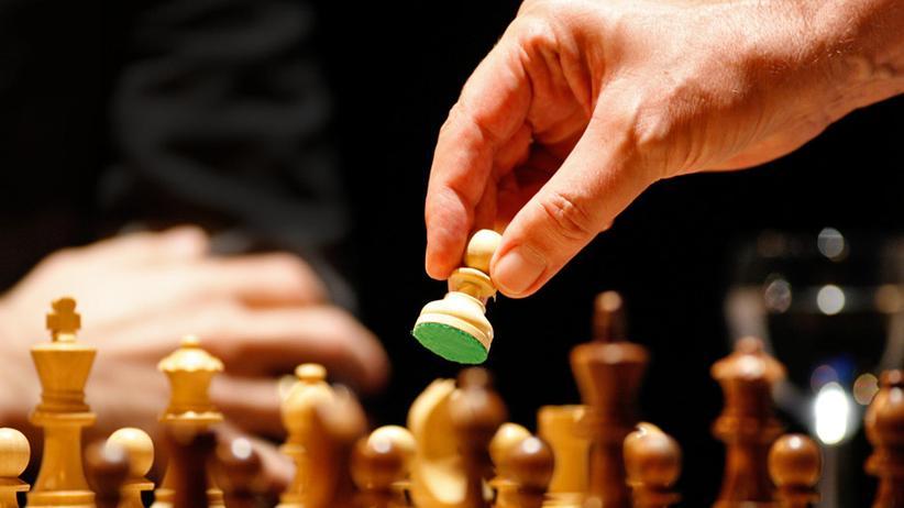 Schachspiel: Von Hängepartien und Bauernopfern