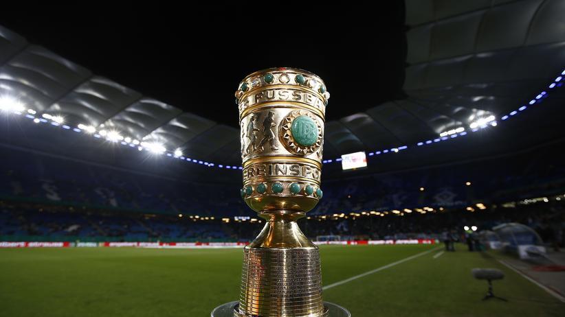Der schöne glänzende DFB-Pokal