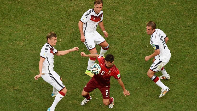 Deutschland gegen Ghana: Tiki Taka Teutonia