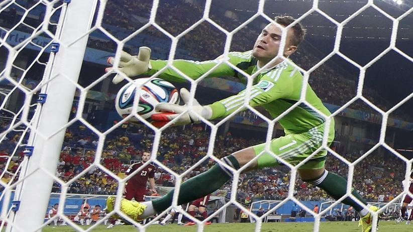 Fußball-WM Gruppe H: Russlands Torwart patzt gegen Südkorea