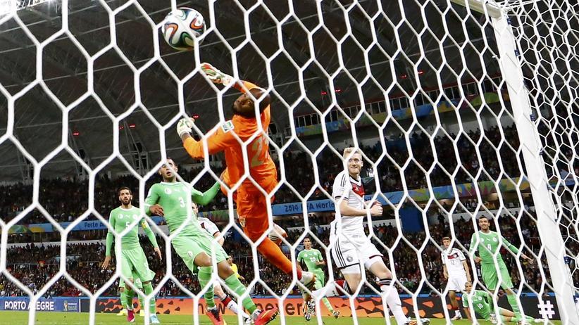 Deutschland - Algerien : Schürrle und Özil schießen Deutschland ins WM-Viertelfinale