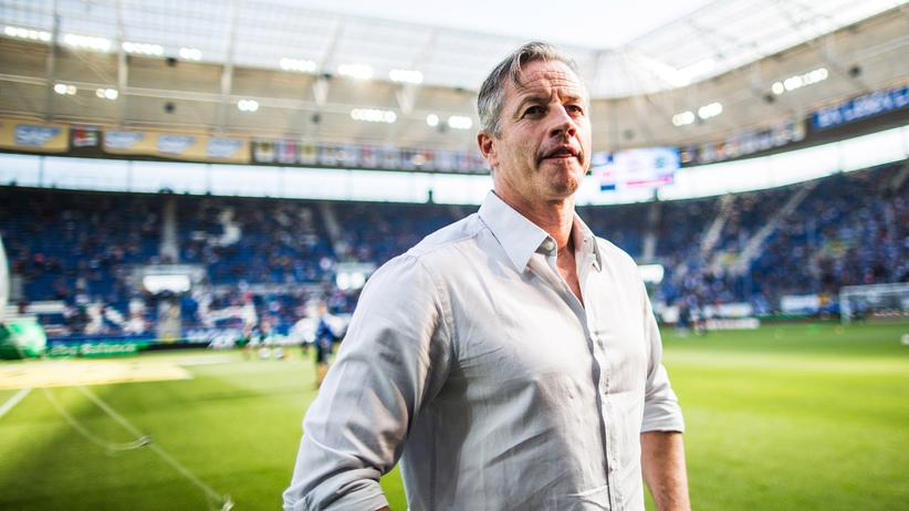 Jens Keller bei seinem letzten Auftritt als Schalke-Trainer in Hoffenheim
