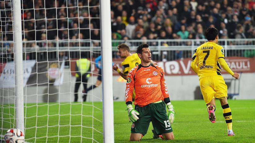 Ciro Immobile schießt das 1:0 für die Dortmunder
