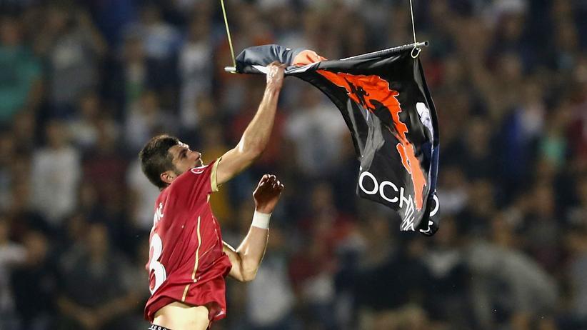 Serbien – Albanien: Fußball als Ersatzkrieg