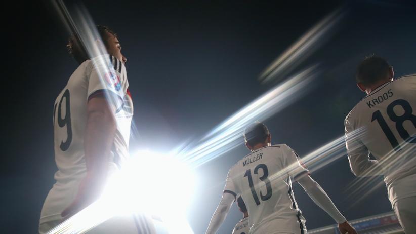 Nationalmannschaft: Beseelt allein von der Gegenwart der Weltmeister