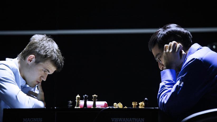 In der dritten Partie hatte Magnus Carlsen kaum eine Chance gegen Viswanathan Anand