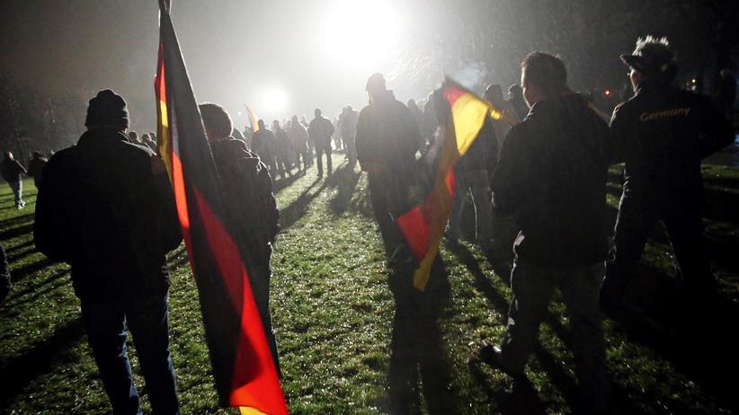 Hooligans: Pegida-Anhänger Anfang Januar in Dresden.
