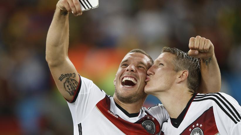 """Fußballer und Twitter: """"Verdammter Trainer!"""""""