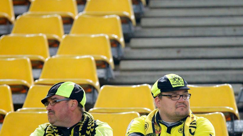Zwei BVB-Fans, die Armen