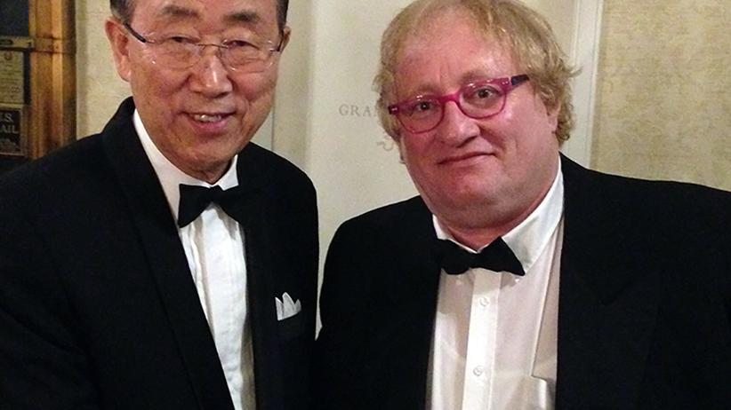 Ein diplomatisches Schwergewicht. Und links Ban Ki Moon.