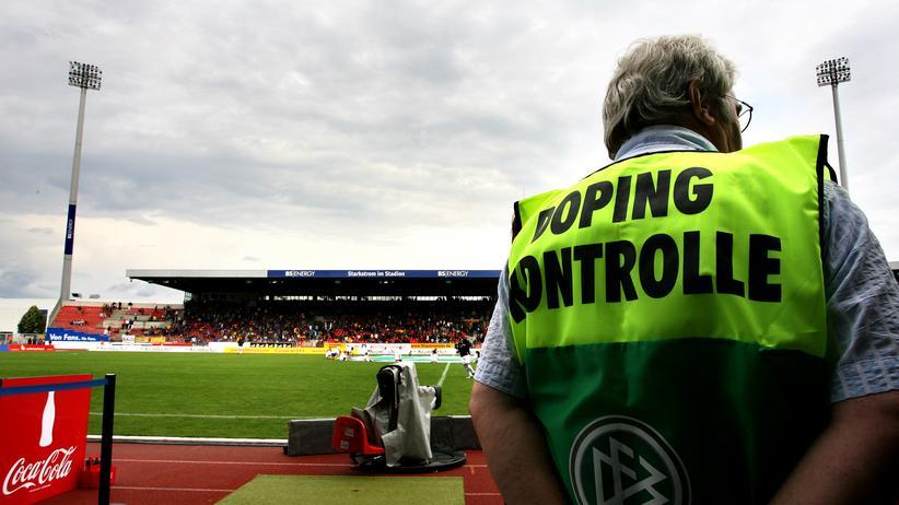Manipulation im Fußball: Doping hilft auch beim Toreschießen