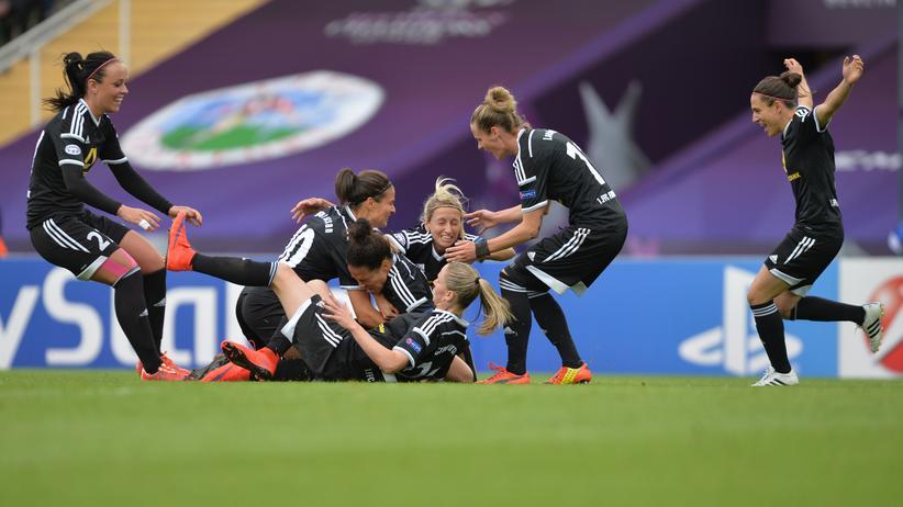 Champions League: Frankfurt jubelt über das 1:0 gegen Paris.