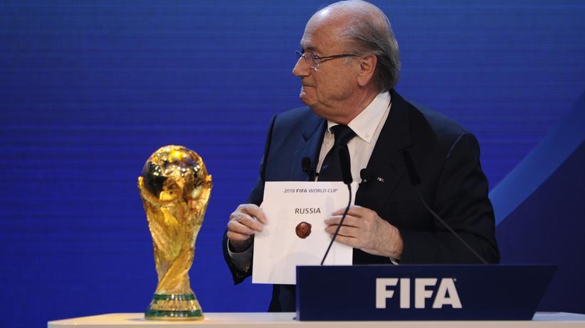 Sepp Blatter bei der Vergabe der WM 2018 nach Russland im Dezember 2010