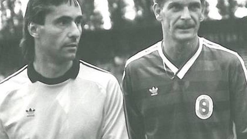 Andreas Vogler (rechts) im Trikot von Stahl Brandenburg